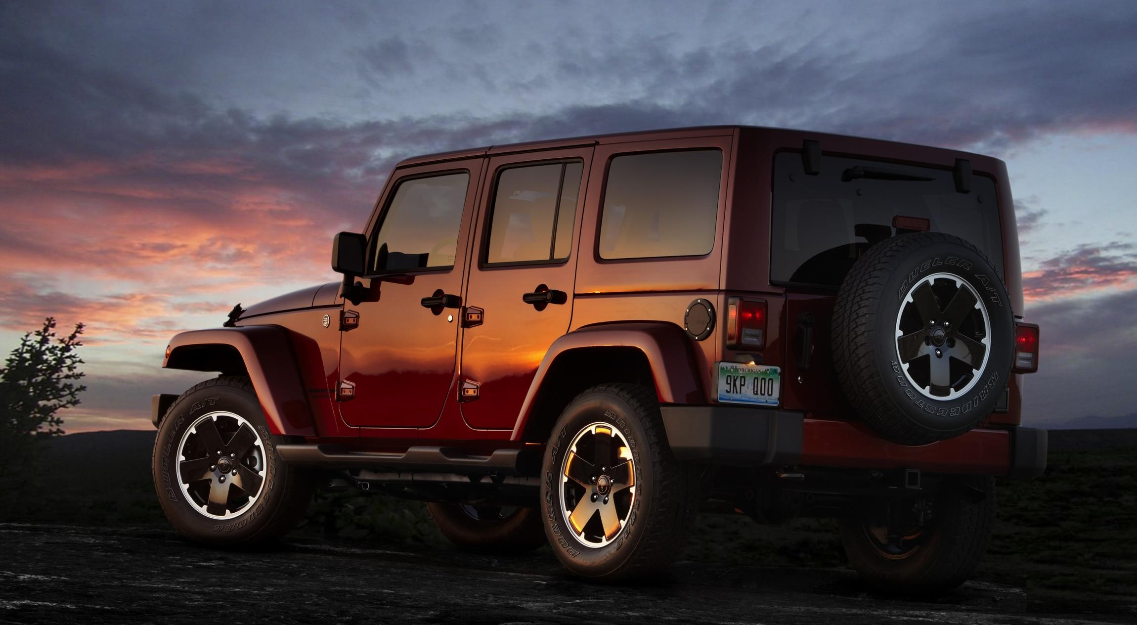 2012 Jeep Wrangler Unlimited  2300 x 1264  Download  Close