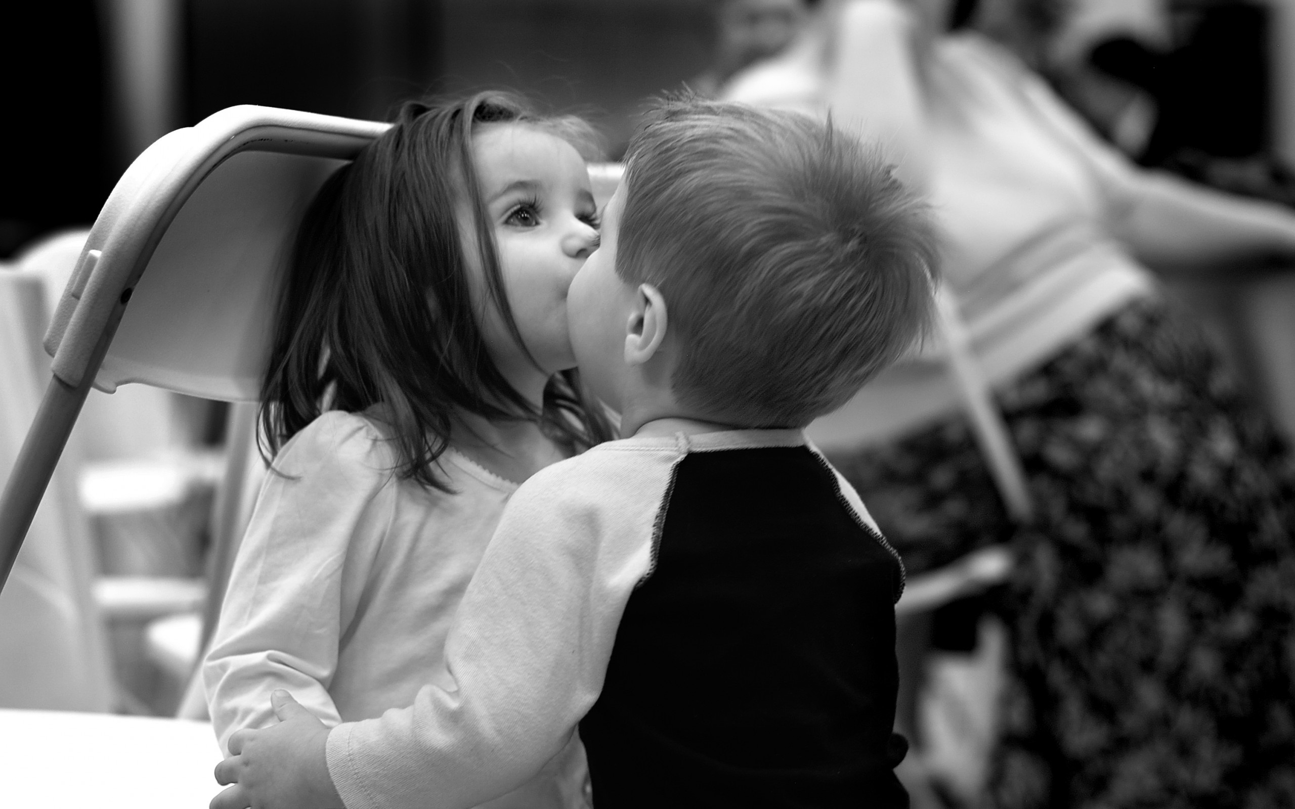 Black And White Kids Kiss | 2560 x 1600 | Download | Close