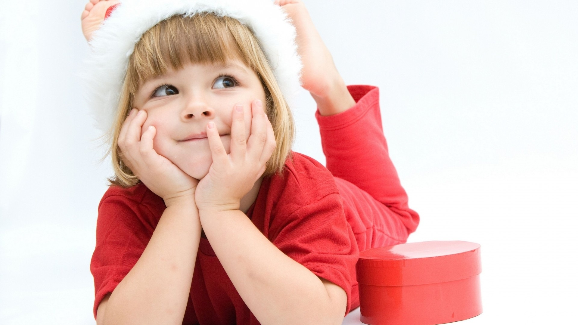 Christmas Kid In Santa Hat On White Background Wallpapers ...