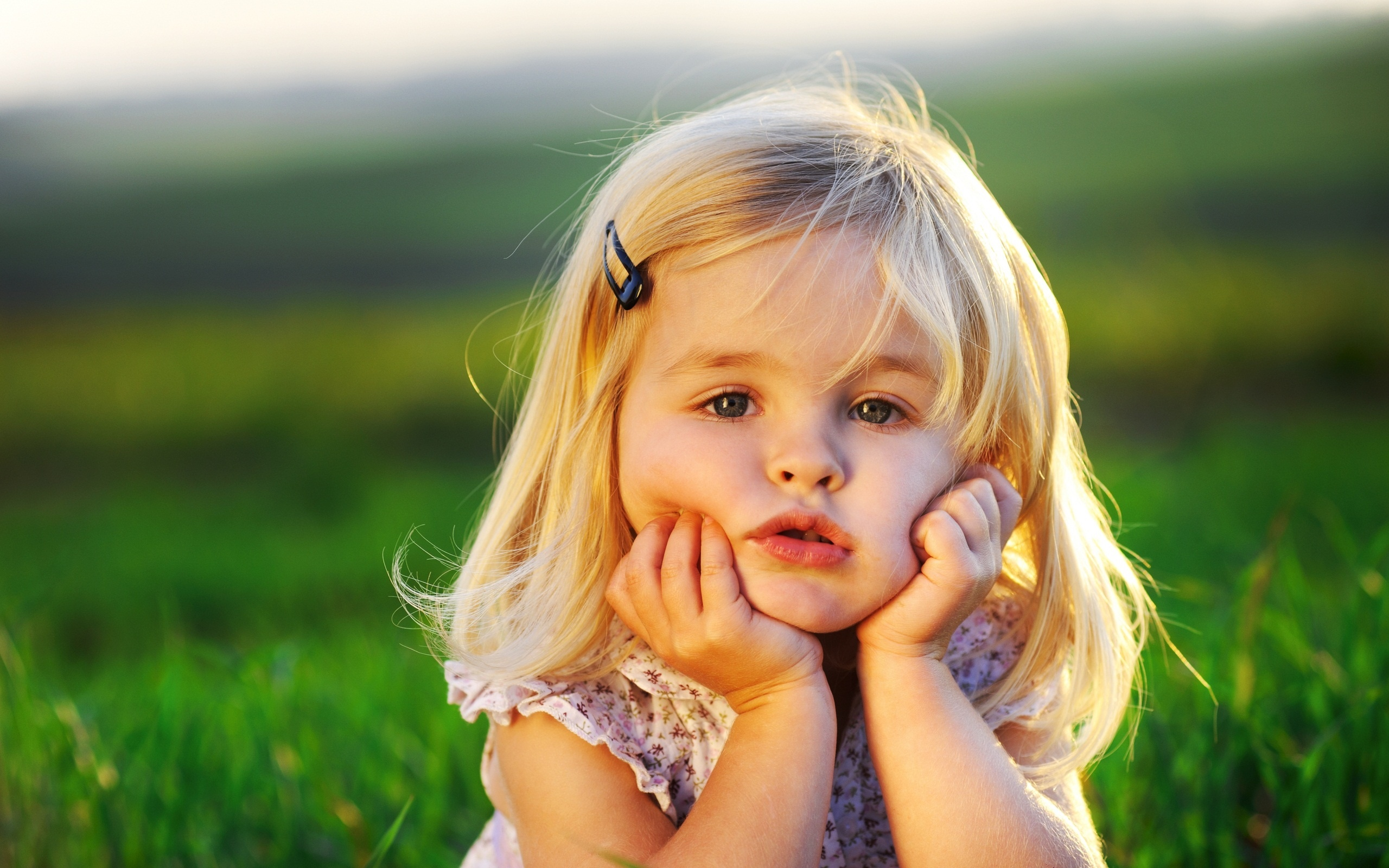 Cute little baby girl Wallpapers - 2560x1600 - 982339