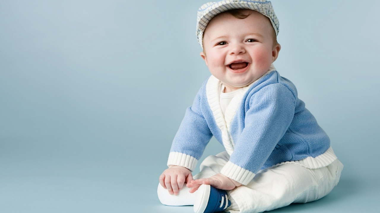 Cute smile model baby | 1280 x 720 | download | close
