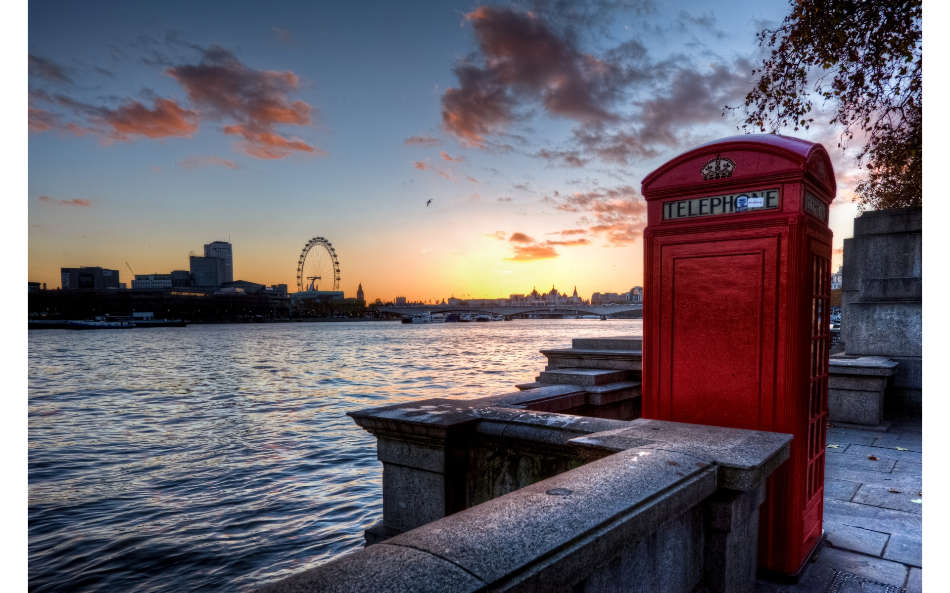 London skyline with telephone booth wallpapers 1920x1200 for London cityscape wallpaper