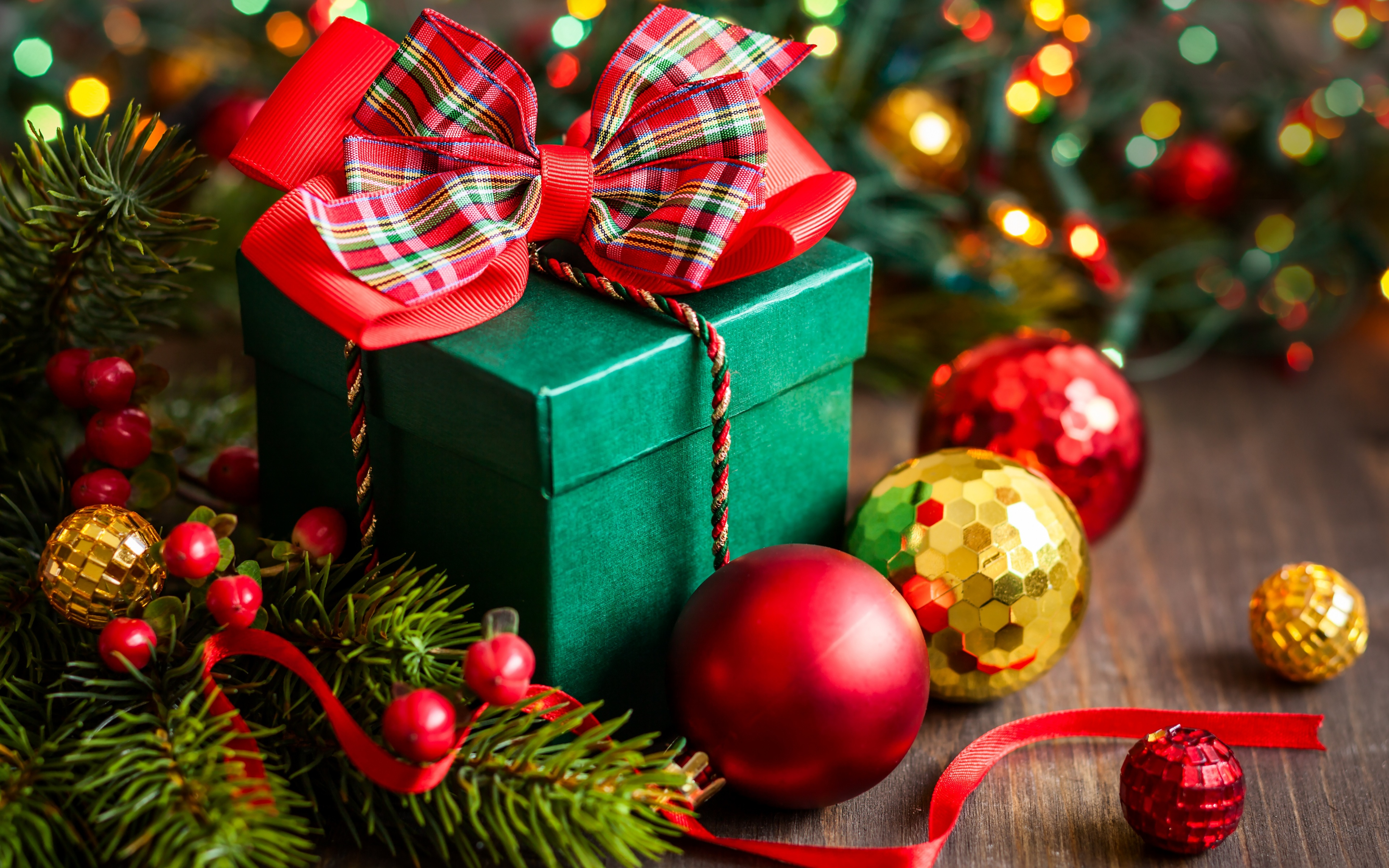 Merry Christmas Gift Box Wallpapers - 3840x2400 - 2316052