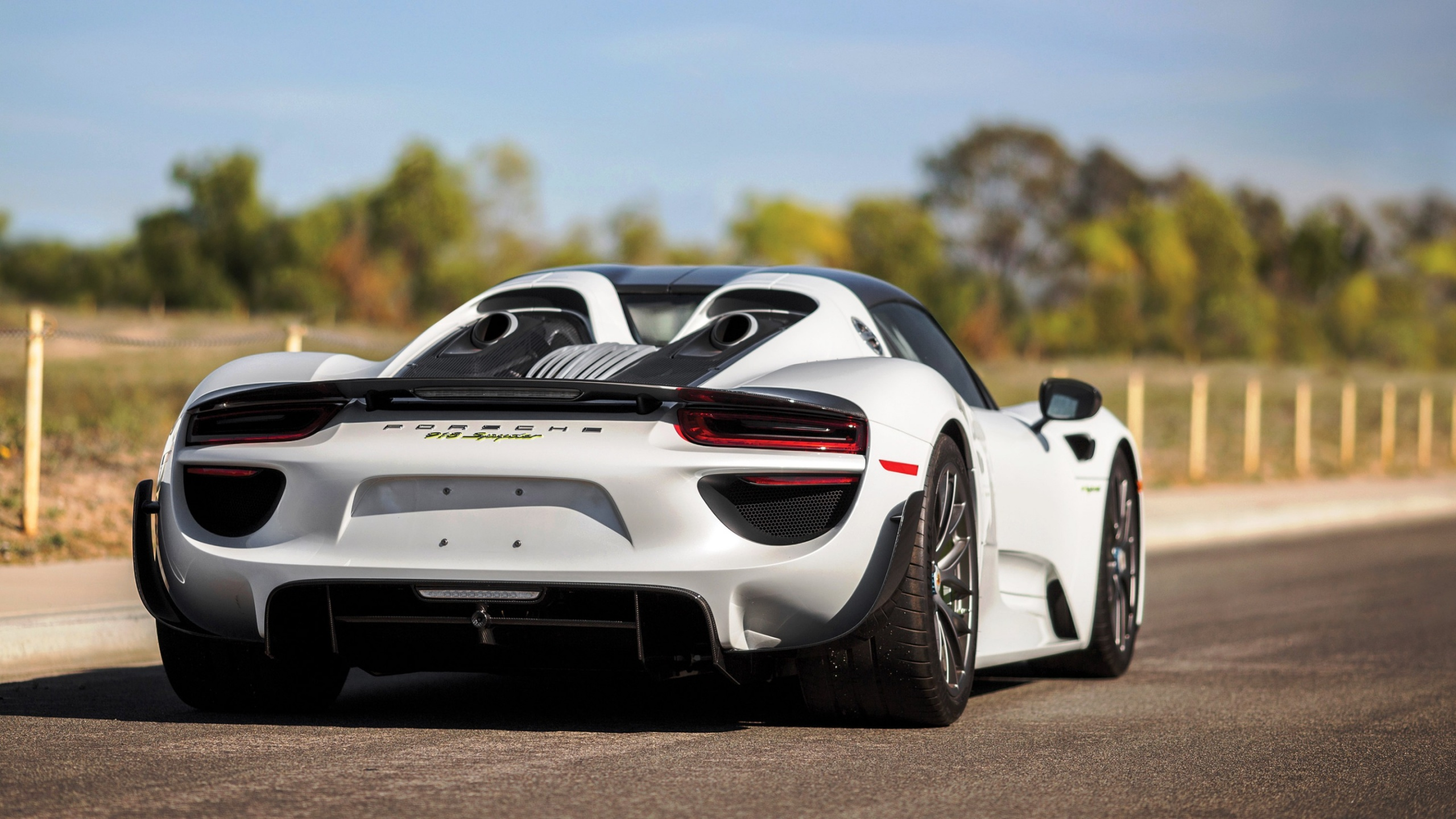 porsche 918 spyder weissach package 2015 wallpapers 2560x1440 826237. Black Bedroom Furniture Sets. Home Design Ideas