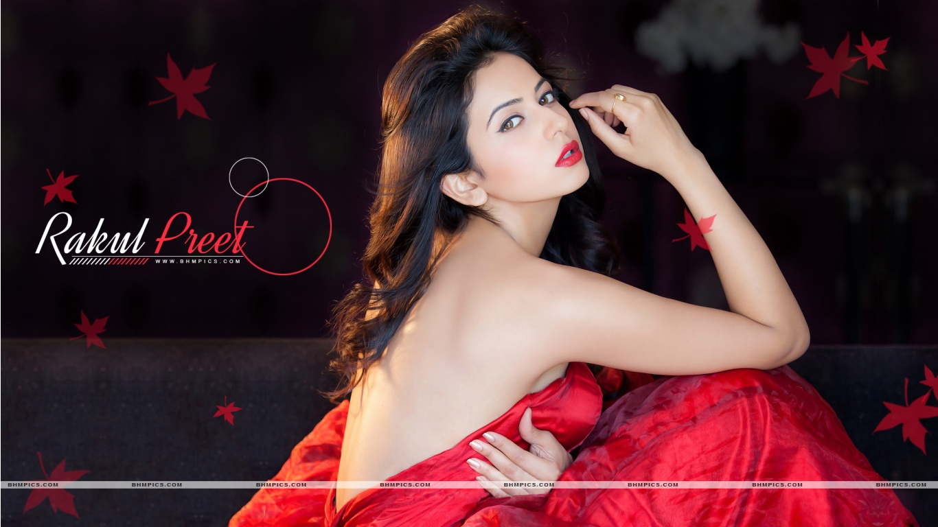 Cute Rakul {reet Singh wallpaper for download