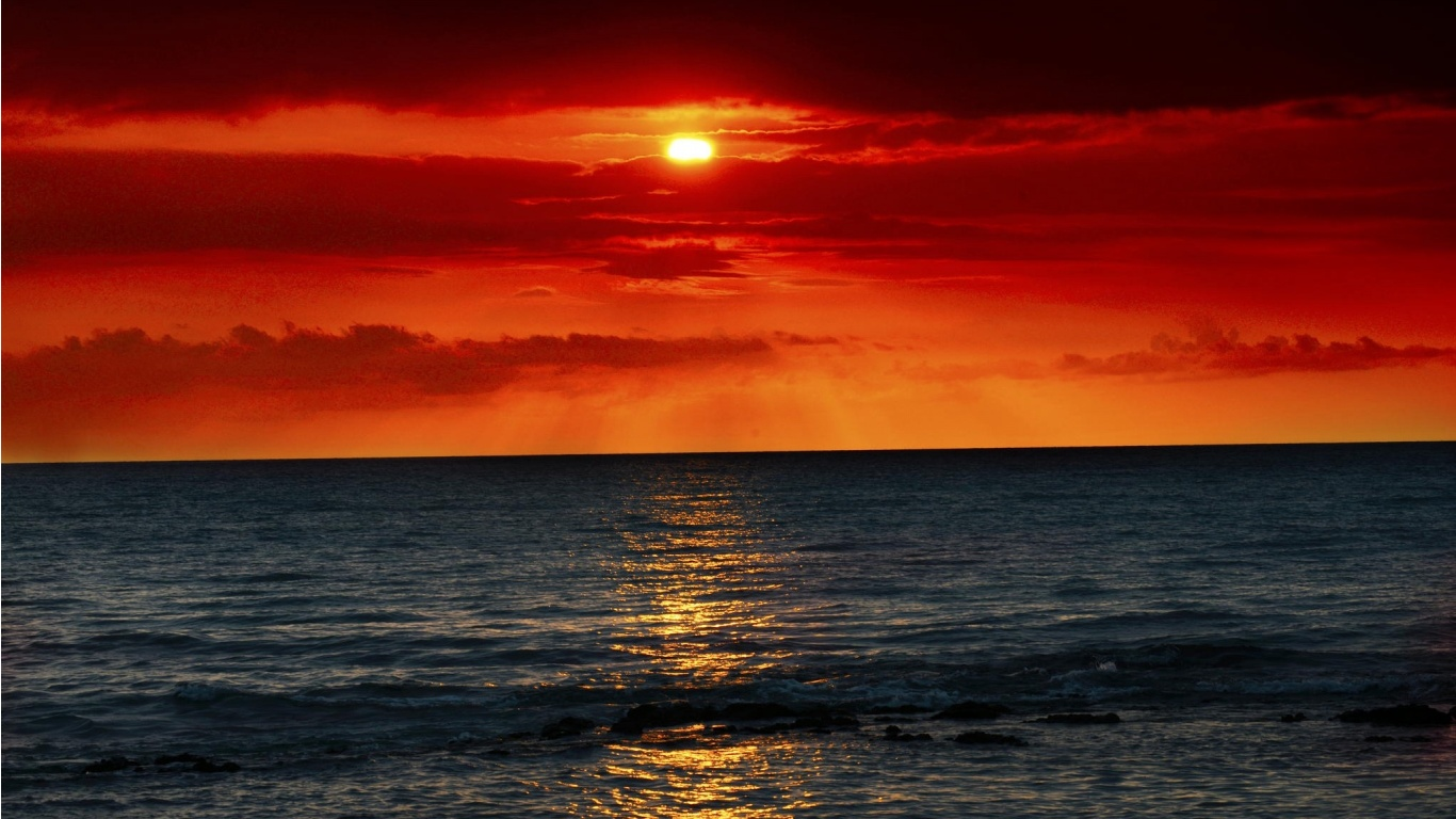 Sea Waves And Red Sunset Wallpapers 1366x768 300652