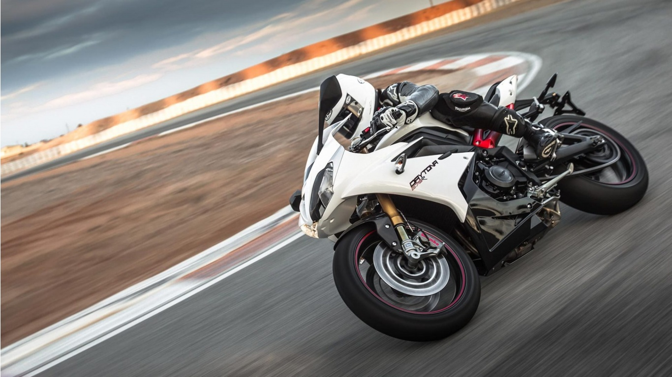triumph daytona 675 r speed triple r wallpapers 1366x768. Black Bedroom Furniture Sets. Home Design Ideas