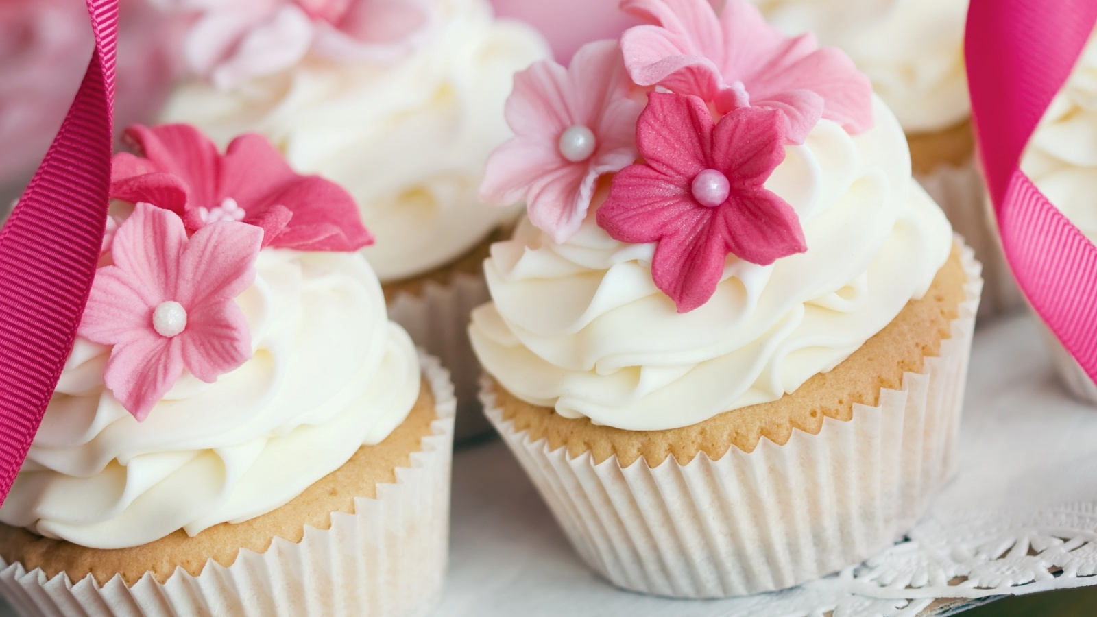 Wedding pink cupcakes | 1600 x 900 | download | close