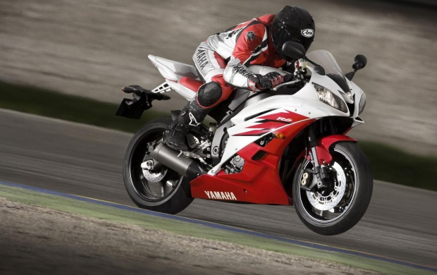 2006 Yamaha YZF-R6 Red Wallpapers