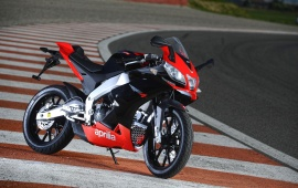 2011 Aprilia RS4 125 Side View