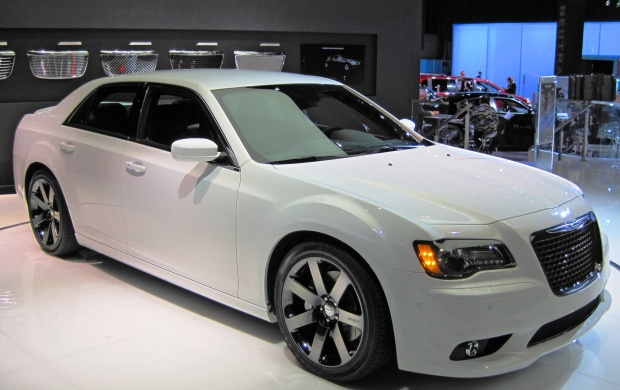 2012 Chrysler 300 SRT8 (click to view)