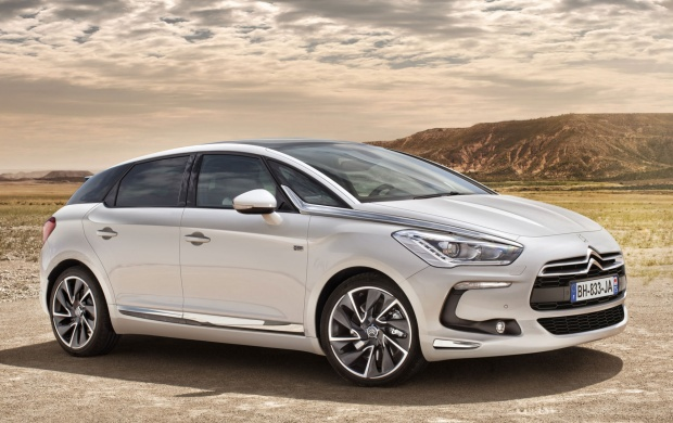2012 Citroen DS5 (click to view)