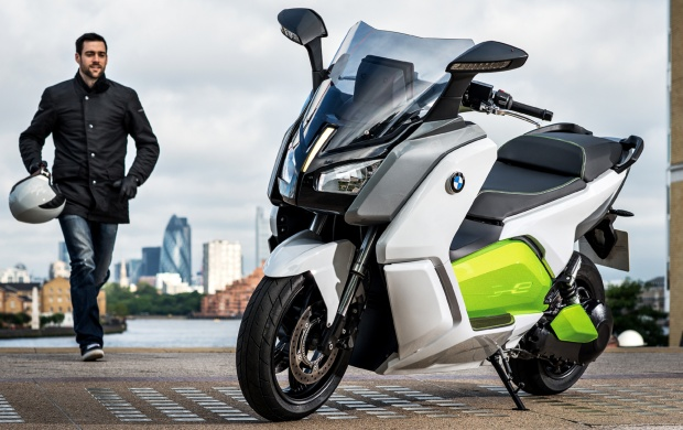 2013 BMW Motorrad C Evolution (click to view)