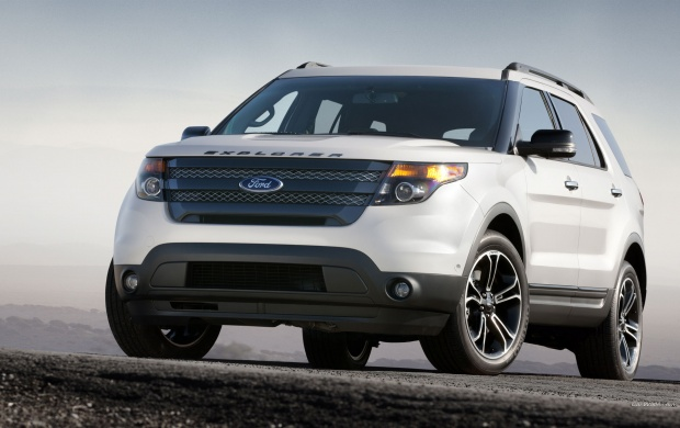 2013 Ford Explorer Sport (click to view)