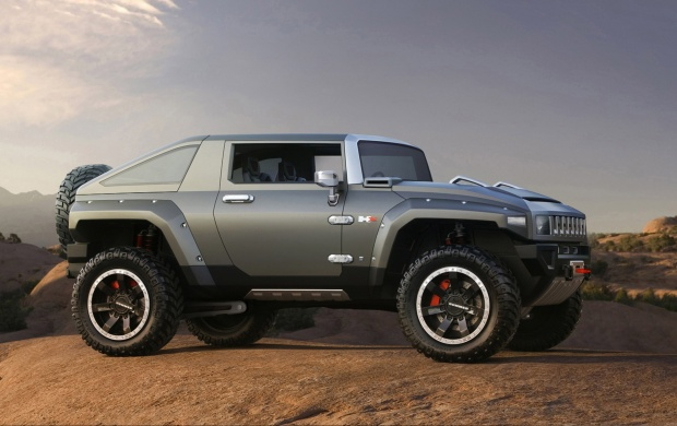 2013 Hummer HX (click to view)