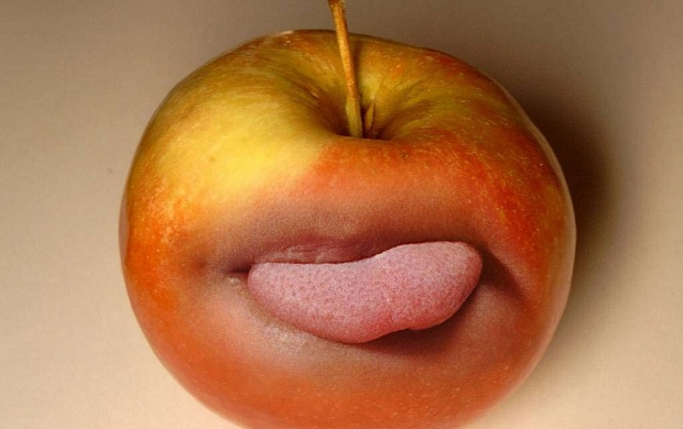 A funny apple (click to view)