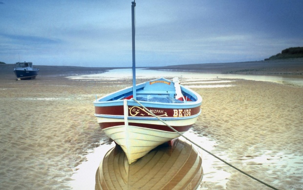 Abandoned Boat on a Beach (click to view)