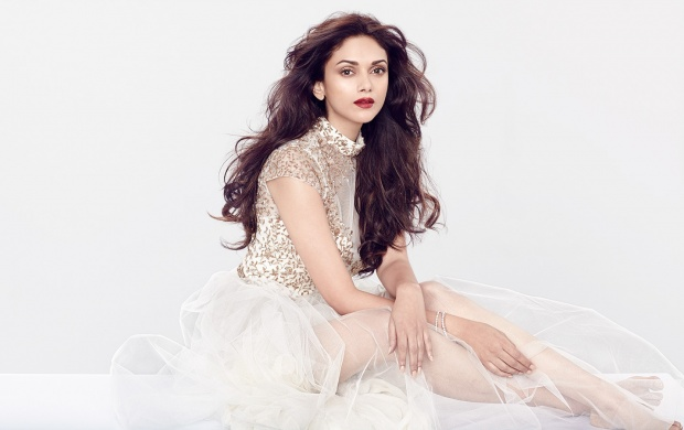 Aditi Rao Hydari (click to view)