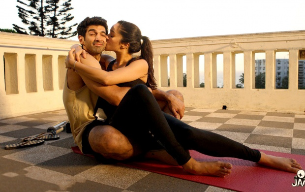 Aditya Shraddha Kapoor OK Jaanu Movie (click to view)
