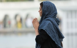 Aishwarya Rai Bachchan Pray In Sarabjit Movie