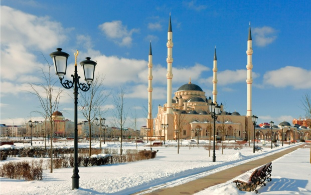 Akhmad Kadyrov Mosque (click to view)