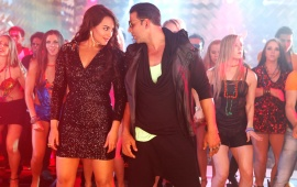 Akshay And Sonakshi In Boss 2013