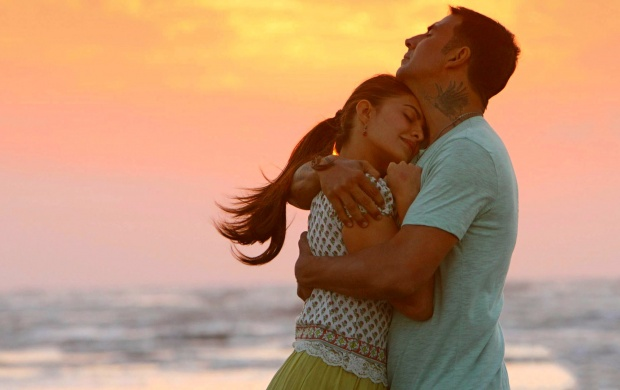 Akshay Kumar And Jacqueline In Brothers (click to view)