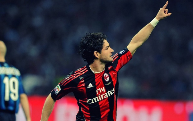 Alexandre Pato Running (click to view)