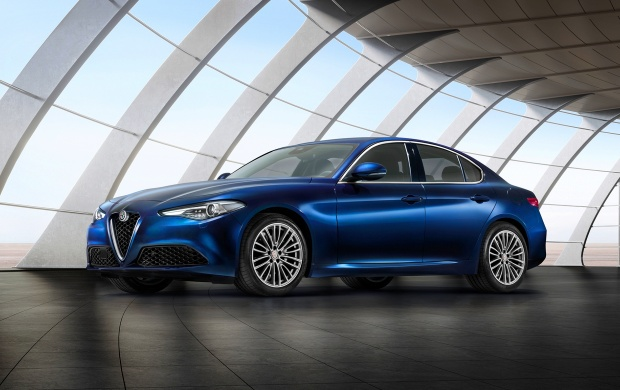 Alfa Romeo Giulia Front Three Quarter 2017 (click to view)
