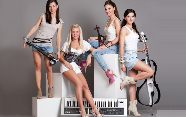 Amadeus Girl Band (click to view)