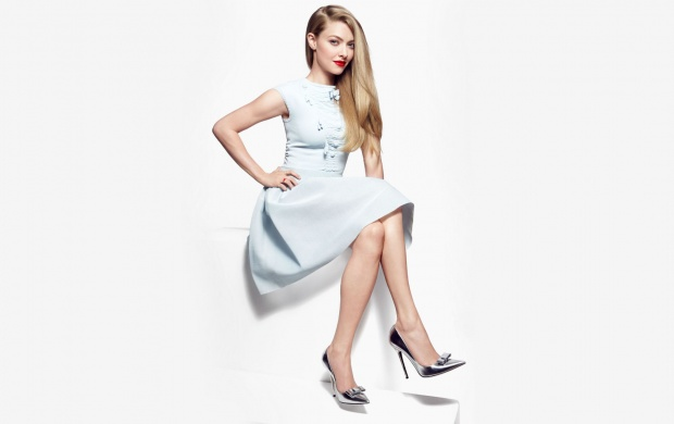 Amanda Seyfried Instyle (click to view)
