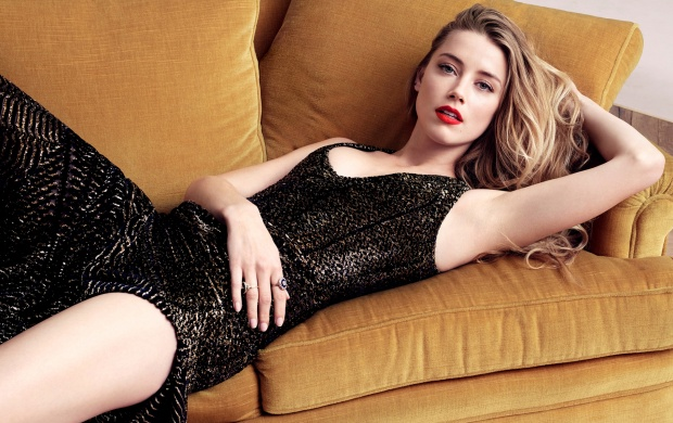 Amber Heard Elle 2015 (click to view)