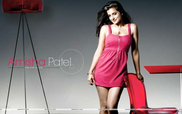 Ameesha Patel (click to view)