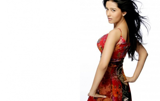 Amrita Rao Backside Dressings (click to view)