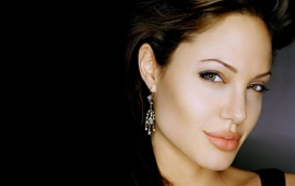 Angelina Jolie - Hollywood Queen