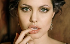 Angelina Jolie - lovely Lips