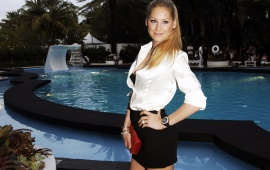 Anna Kournikova - Black & white dress