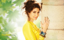 Anushka Sharma In Yellow Suit