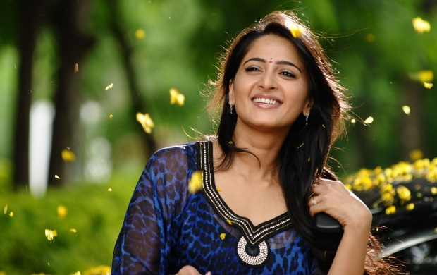 Anushka Shetty In Damarukam Movie (click to view)