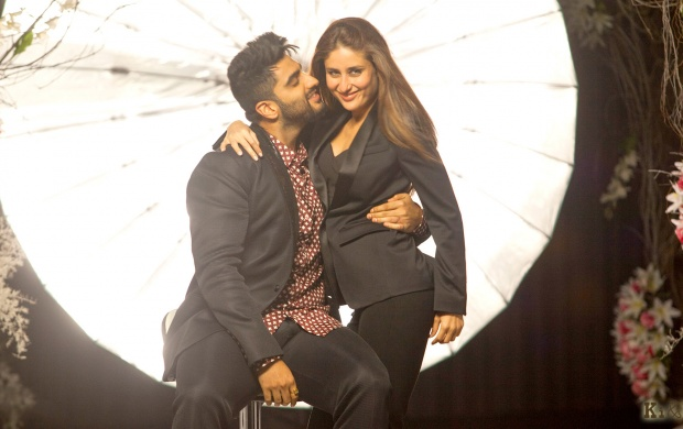 Arjun Kapoor Kareena Kapoor Khan Ki And Ka (click to view)