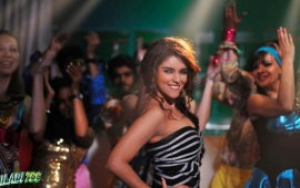 Asin In Khiladi 786 Movie