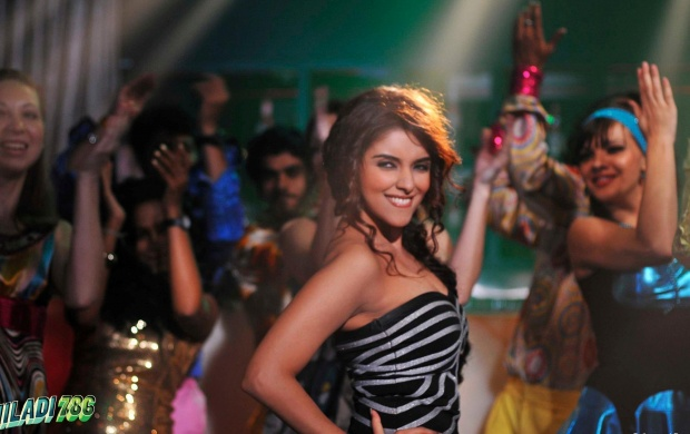 Asin In Khiladi 786 Movie (click to view)