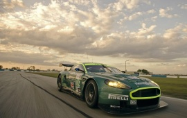 Aston Martin DBR9 Green
