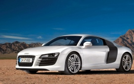 Audi R8 Front Side View
