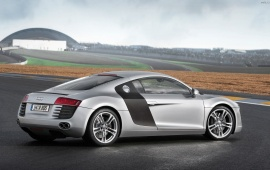 Audi R8 Side View