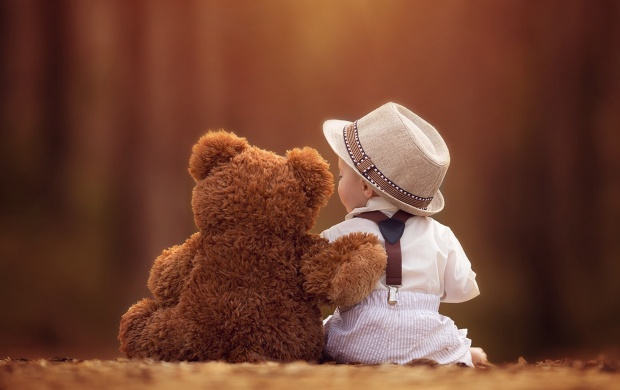 Baby And Bear Together Friends (click to view)