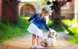 Baby Girl Friendship With Dog