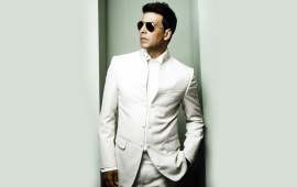 Beautiful Akshay Kumar In White Suit