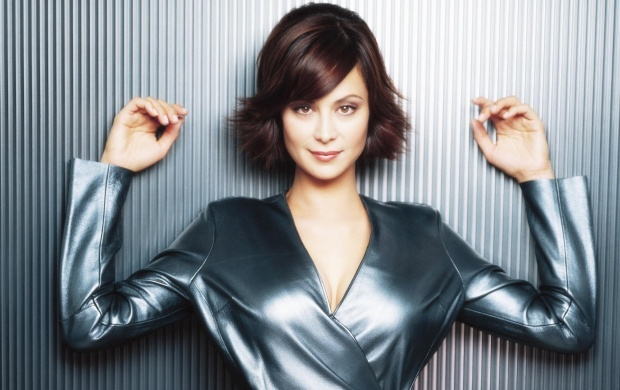 Beautiful Catherine Bell (click to view)