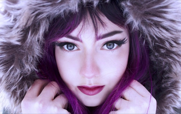 Beautiful Girl With Purple Hair (click to view)